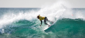 Edoardo Papa accede al round 4 degli ISA World Junior Surfing Championship in California
